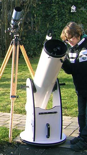 Dieses Dobson-Teleskop ist auch für Kinder, ab 10 Jahren, geeignet (c) C. Preuß