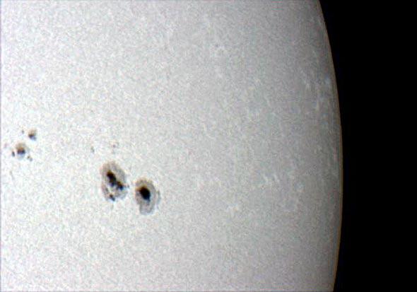 Die Sonnenoberfläche am 01.10.2011 durch ein Spiegelteleskop fotografiert, (c) Daniel Bockshecker