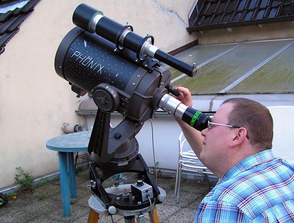 Daniel Bockshecker am Teleskop Phönix