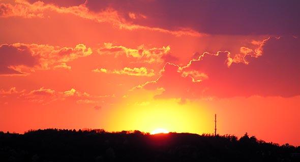 Der Sonnenuntergang am 25.04.2013 über Bonn/Mehlem, (c) C. Preuß