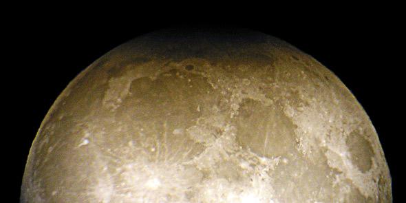 Partielle Mondfinsternis, 24.04.2013, (c) C. Preuß