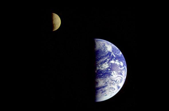 Erde und Mond, (c) NASA
