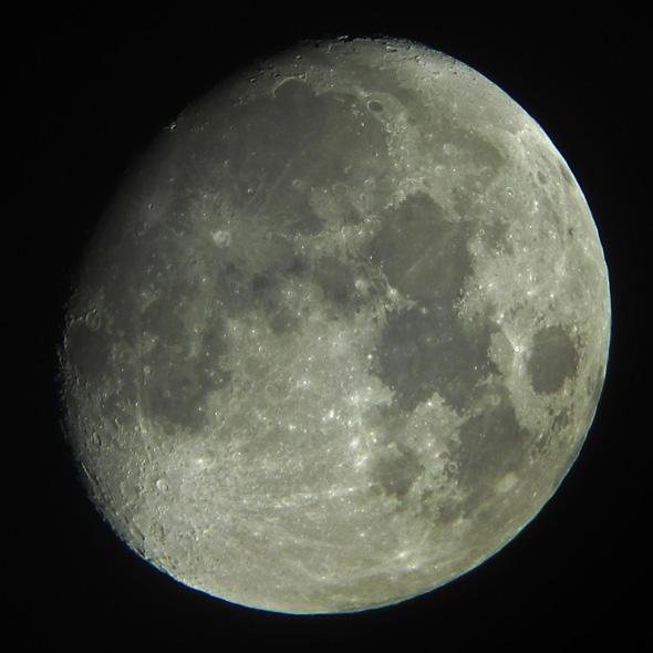 Der Mond am 12.01.2014, (c) D. Bockshecker, C.Preuß