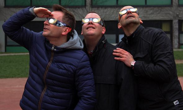 Durch spezielle Sofi-Brillen konnte man die Sonnenfinsternis beobachten